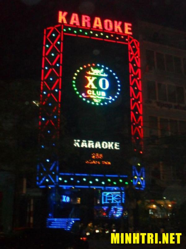 Làm bảng hiệu cho quán karaoke quận 10 TPHCM - Minh Trí